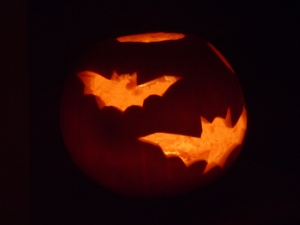 Batty pumpkin lamp